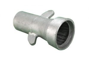 hose end coupler with lugs